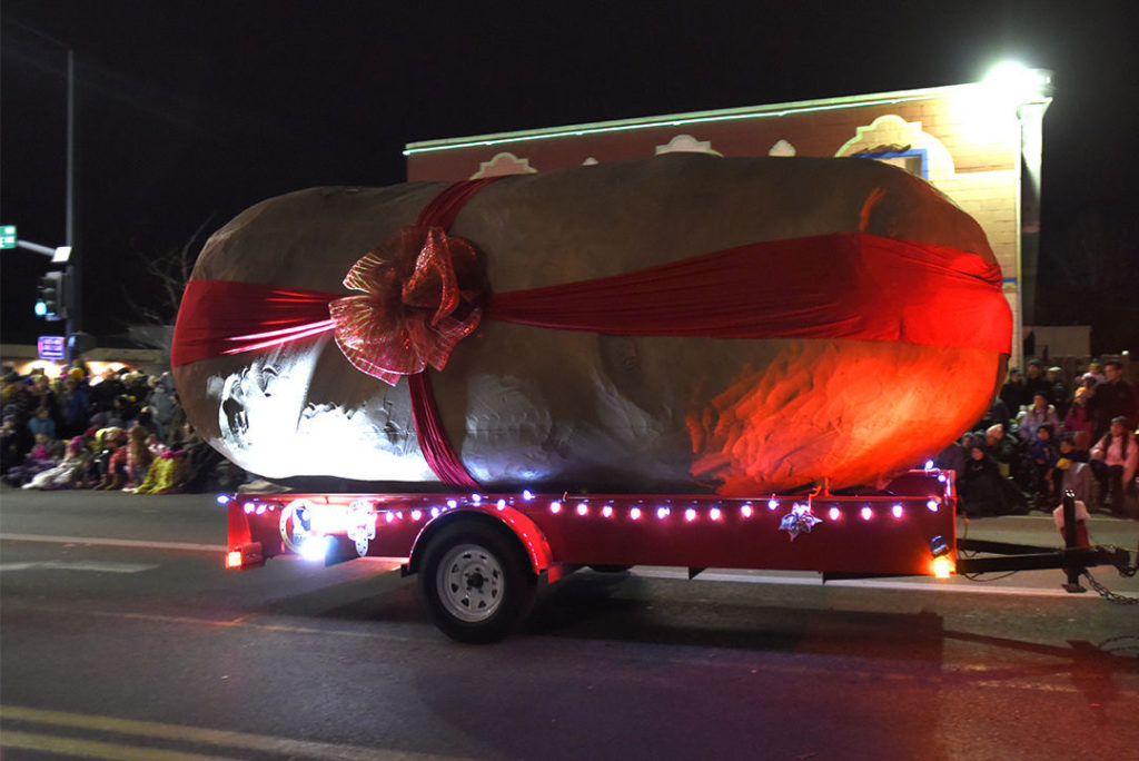 Meridian Winter Lights Parade 2020.Ecco Lights Up Our Potato For Its Final Parade